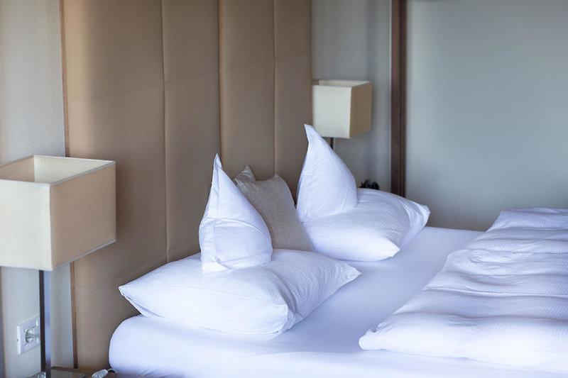 Hotelzimmer mit Ski im Miramonti Boutique Hotel