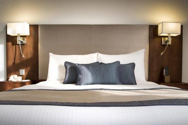 Hotelzimmer im Holiday Inn Abu Dhabi Downtown günstig bei weg.de