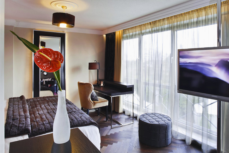 Hotelzimmer mit Pool im Parkhotel Heidehof Conference & Spa Resort