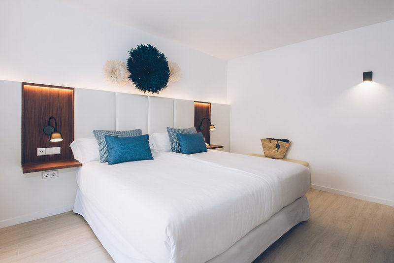 Hotelzimmer mit Volleyball im Iberostar Creta Panorama
