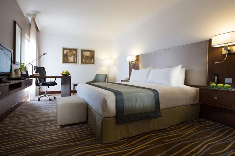 Hotelzimmer mit Kinderpool im Holiday Inn Abu Dhabi Downtown