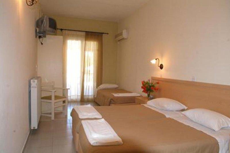 Hotelzimmer mit Wassersport im Hotel Omiros