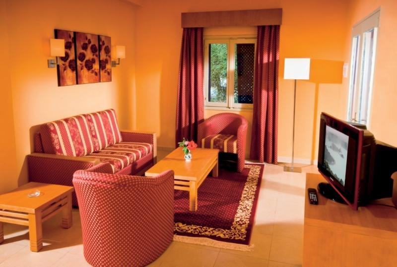 Hotelzimmer mit Volleyball im Royal Lido Resort & Spa