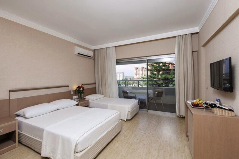 Hotelzimmer im Hane Hotel günstig bei weg.de