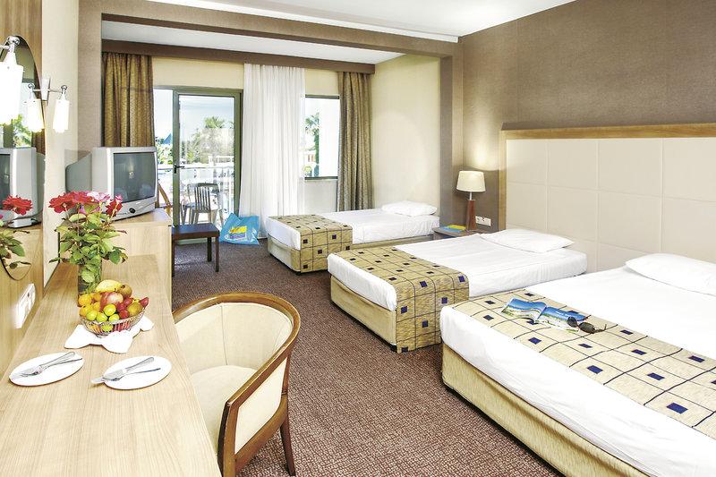 Hotelzimmer mit Volleyball im Kaya Side