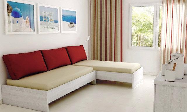 Hotelzimmer mit Golf im Hotel Illot Suites & Spa