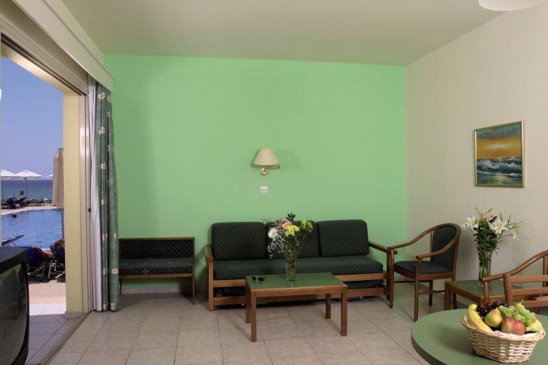 Hotelzimmer im Panas Holiday Village günstig bei weg.de