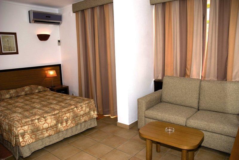 Hotelzimmer mit Golf im Pinhal do Sol