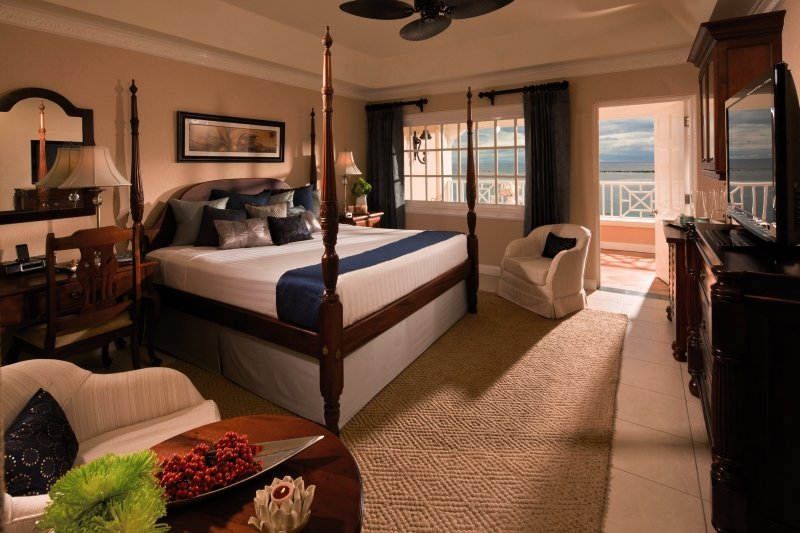 Hotelzimmer mit Yoga im Sandals Royal Caribbean