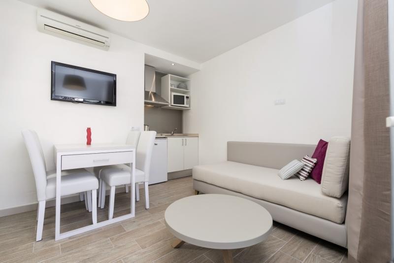 Hotelzimmer mit Volleyball im Ferrer Janeiro Hotel & Spa