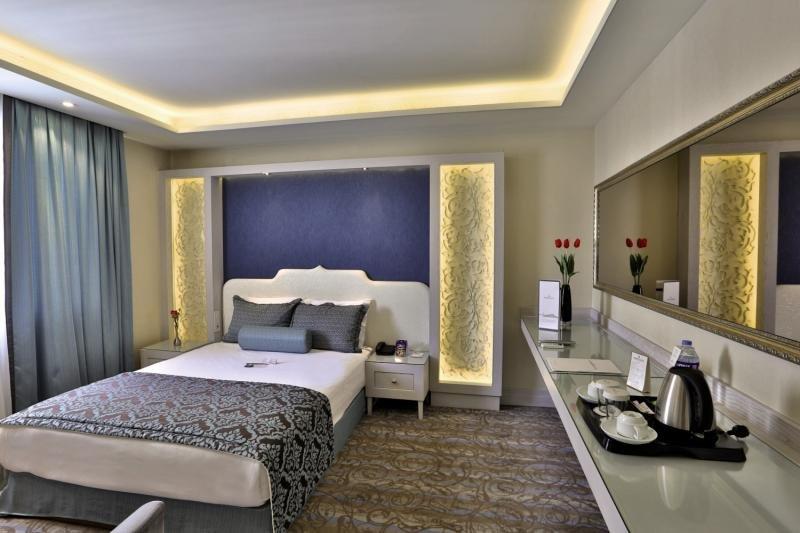 Hotelzimmer im Zurich Hotel günstig bei weg.de