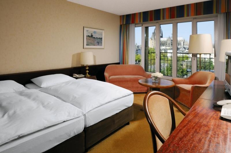Hotelzimmer mit Clubs im Maritim Hotel Köln