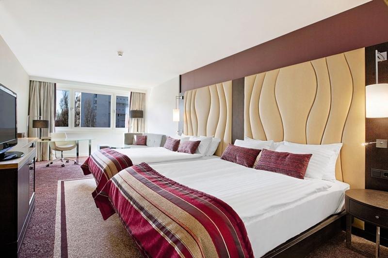 Hotelzimmer im Hilton Vienna Danube Waterfront günstig bei weg.de