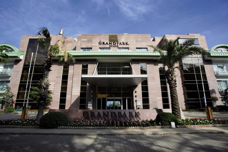 Grand Park Kemer Hotel in Türkische Riviera - Bild von FTI Touristik