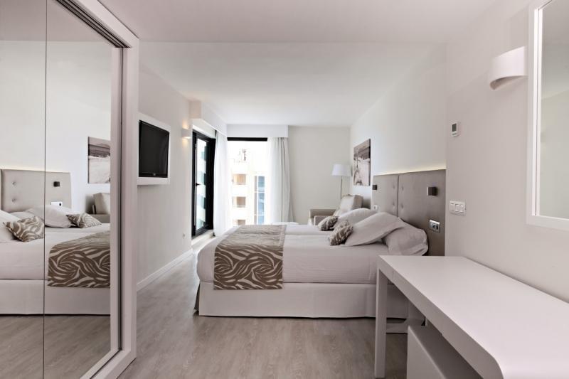 Hotelzimmer mit Aerobic im Iberostar Cala Millor
