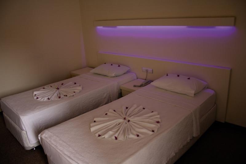 Hotel Kleopatra Blue Hawaii in Türkische Riviera - Bild von FTI Touristik