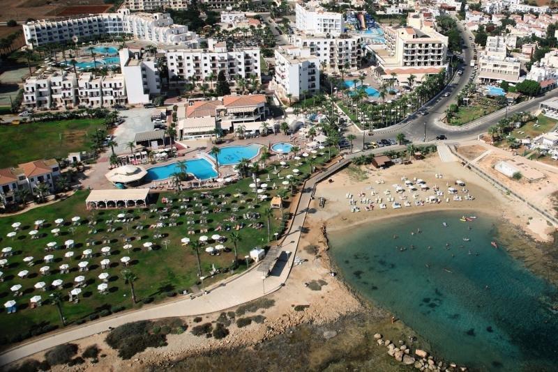 Anastasia Beach Hotel & Apartments in Zypern Süd - Bild von FTI Touristik