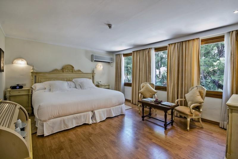 Hotelzimmer im Formentor a Royal Hideaway Hotel günstig bei weg.de