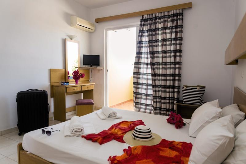 Hotelzimmer mit Mountainbike im Fantasy