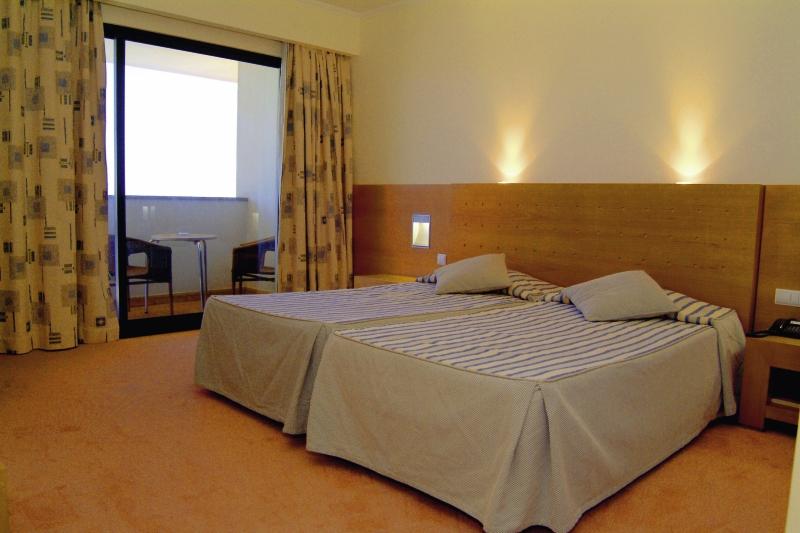 Hotelzimmer im Hotel Moniz Sol günstig bei weg.de