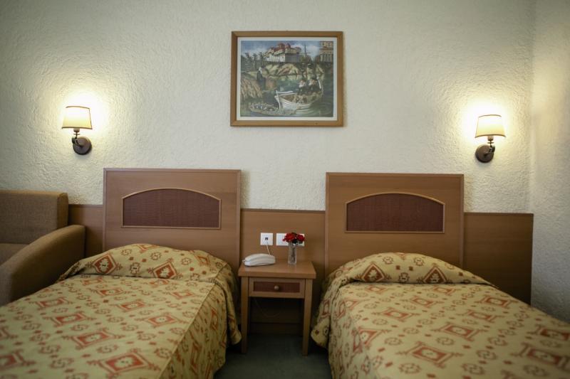Hotelzimmer im Athos Palace Hotel günstig bei weg.de