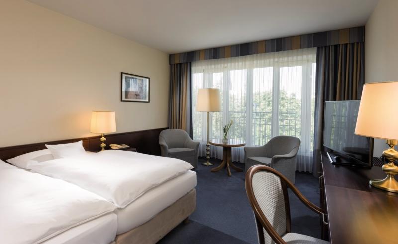 Hotelzimmer mit Kinderbetreuung im Maritim Hotel Köln