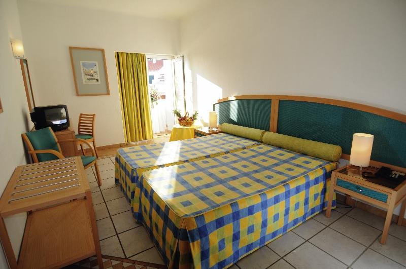 Hotelzimmer im Carvoeiro Plaza günstig bei weg.de