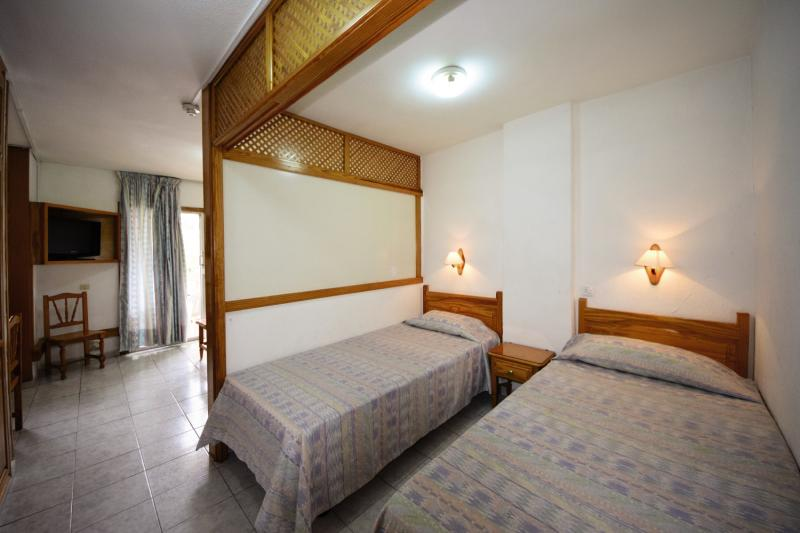 Hotelzimmer mit Tennis im Apartamentos Tenerife Ving