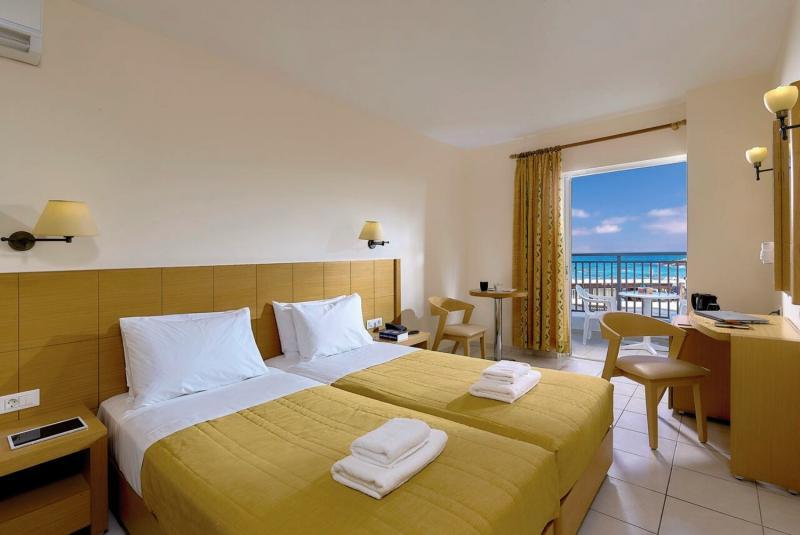 Hotelzimmer im Astir Beach günstig bei weg.de
