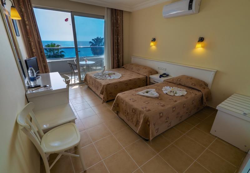 Hotelzimmer im Azak Beach Hotel günstig bei weg.de