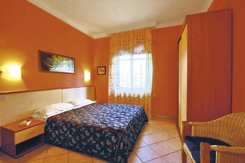 Hotelzimmer mit Tischtennis im Fonte di Bagnaria