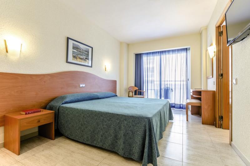 Hotelzimmer mit Tischtennis im Mar Blau Hotel