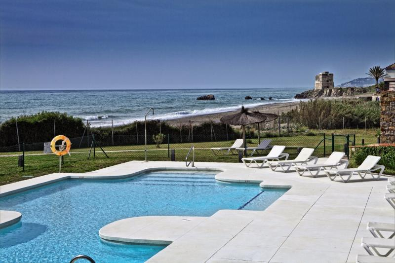 Hotel Casares del Mar Luxury Apartments in Costa del Sol - Bild von FTI Touristik