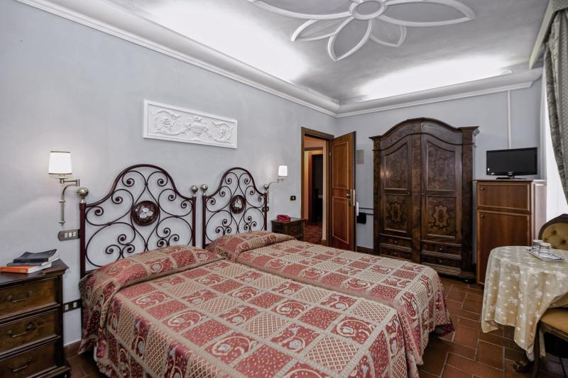 Hotelzimmer mit Tischtennis im Casafrassi