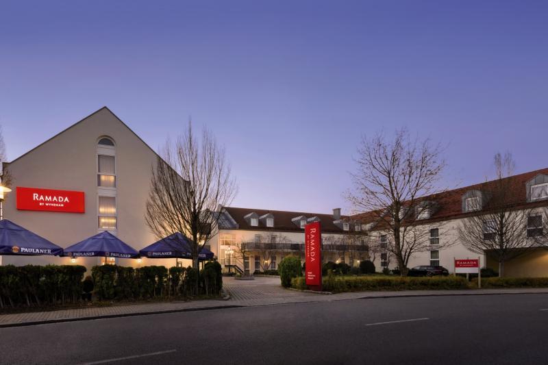 Hotel Ramada by Wyndham Muenchen Airport in Bayern - Bild von FTI Touristik