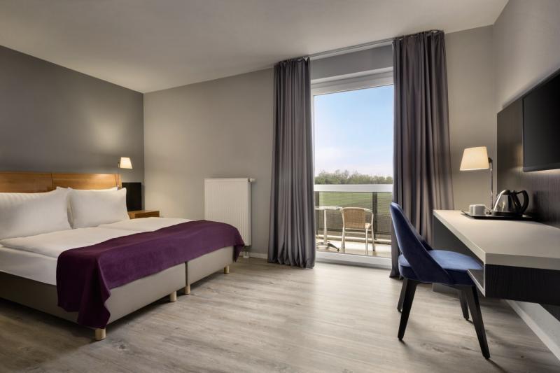 Hotelzimmer mit Golf im Ramada by Wyndham Muenchen Airport