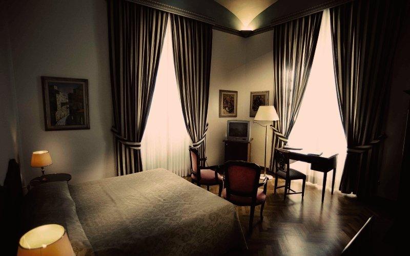 Hotelzimmer im Kraft günstig bei weg.de