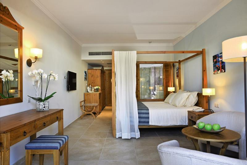 Hotelzimmer mit Yoga im Olympic Lagoon Resort Paphos