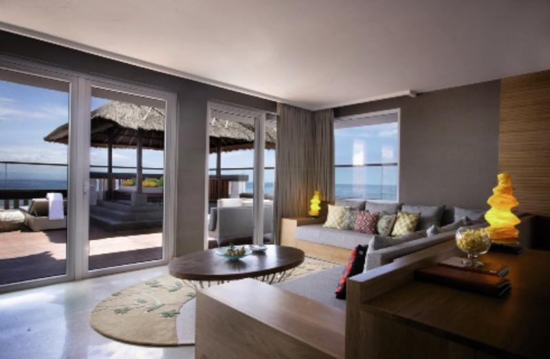 Hotelzimmer mit Yoga im Hotel Nikko Bali Benoa Beach