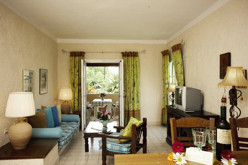 Hotelzimmer mit Mountainbike im St. George's Bay Country Club