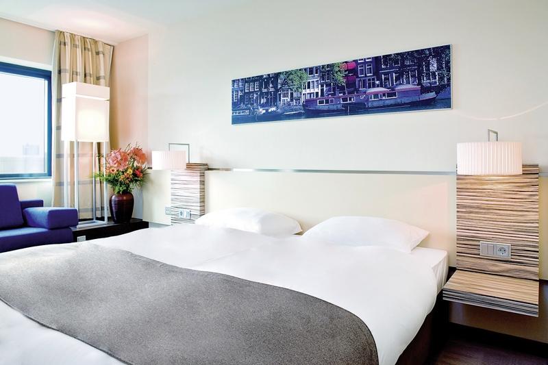 Hotel Mövenpick Amsterdam City Centre in Amsterdam & Umgebung - Bild von DERTOUR