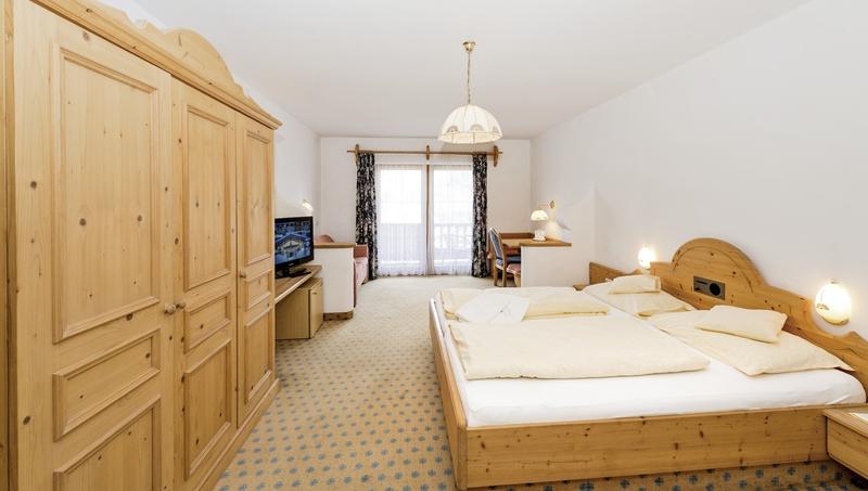 Hotelzimmer mit Tischtennis im Activ Sunny Hotel Sonne
