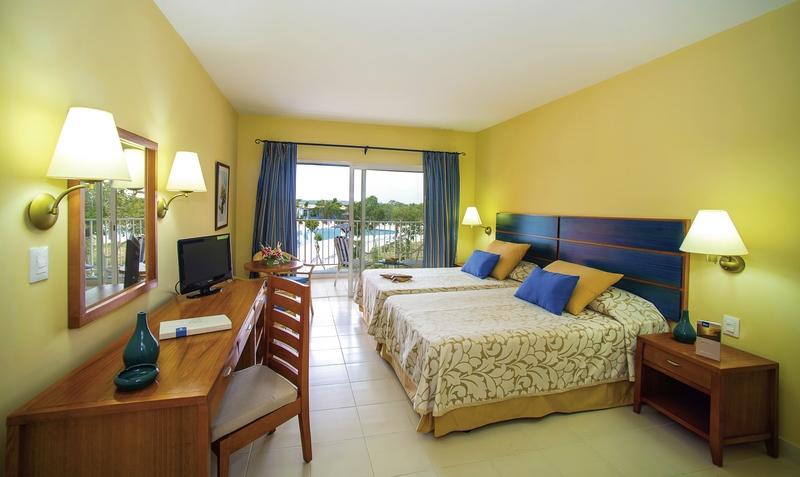 Hotelzimmer mit Volleyball im Fiesta Americana Costa Verde & Blau Costa Verde Plus Beach Resort