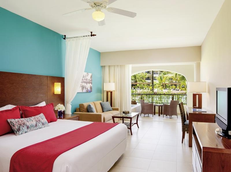 Hotelzimmer mit Volleyball im Secrets Royal Beach Punta Cana