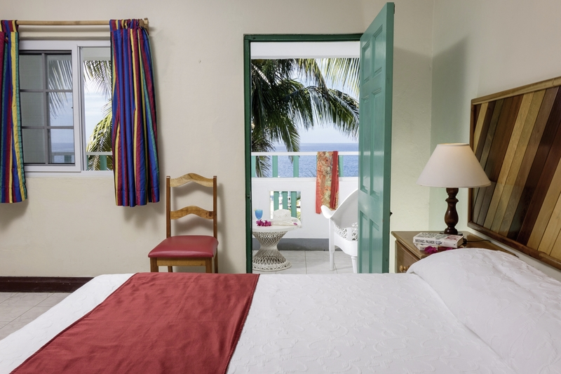 Hotelzimmer mit Tischtennis im Samsara Cliff Resort