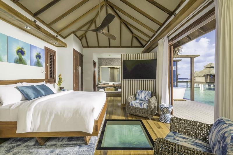 Hotelzimmer mit Volleyball im Sandals Royal Caribbean