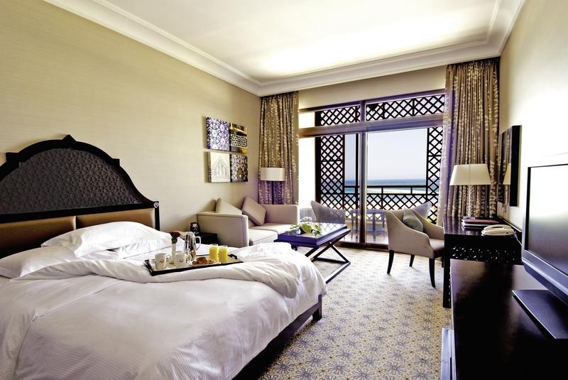 Hotelzimmer mit Volleyball im Hilton Ras Al Khaimah Resort & Spa