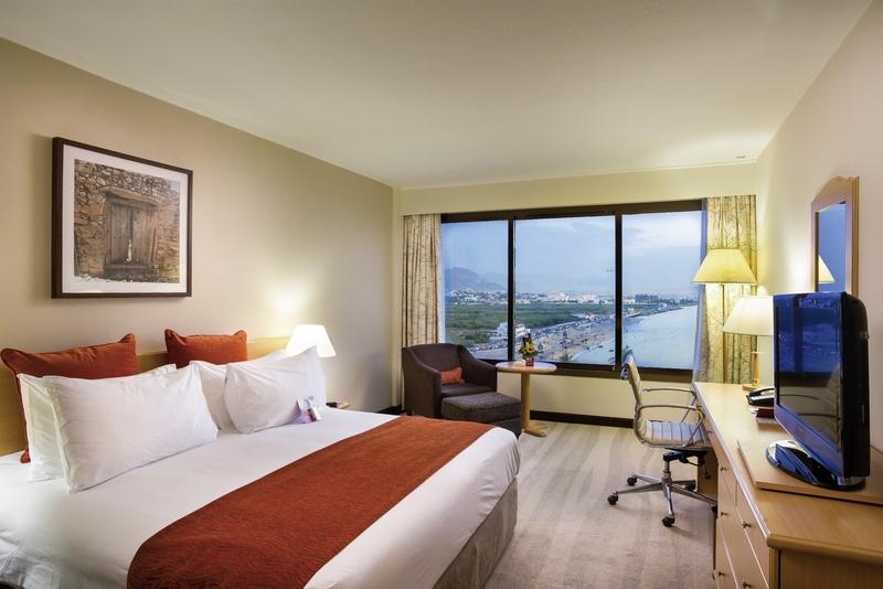Hotelzimmer mit Golf im Crowne Plaza Muscat