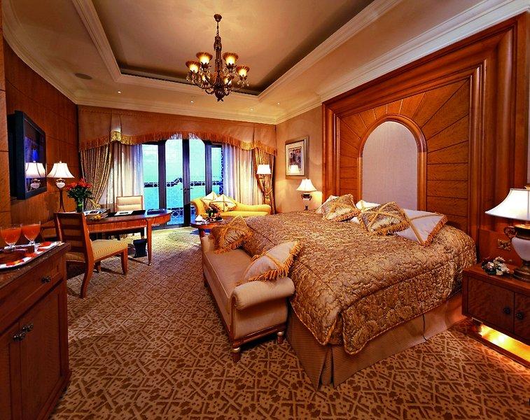 Hotelzimmer mit Volleyball im Emirates Palace Abu Dhabi