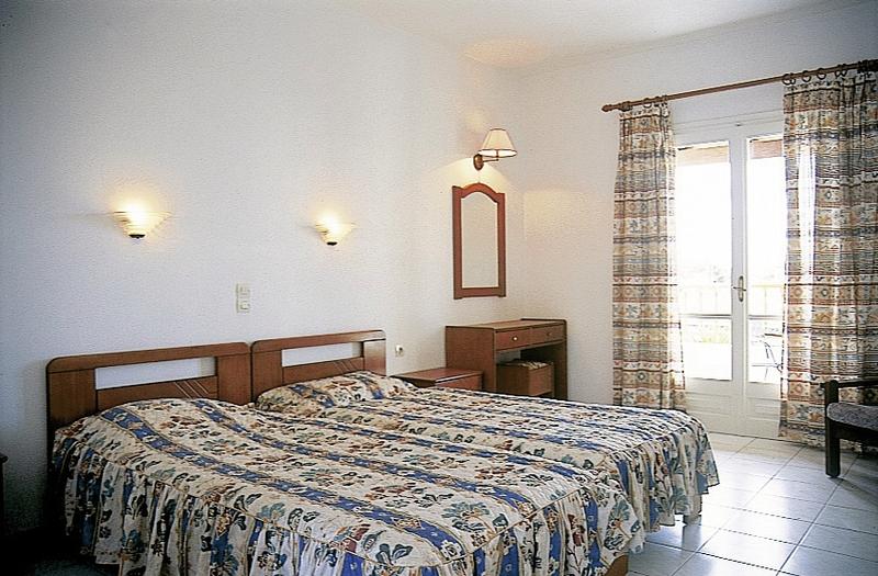Hotelzimmer im Acharavi Beach günstig bei weg.de